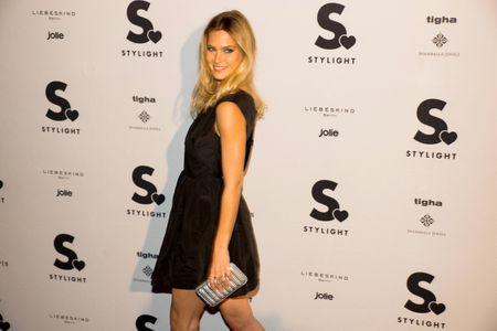 Bar Refaeli aux Stylight Fashion Influencer Awards