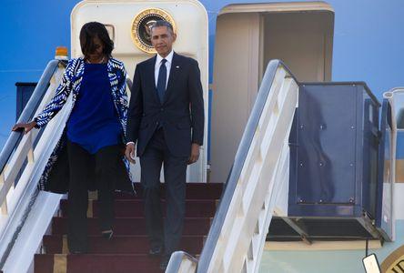 Michelle et Barack Obama arrivent en Arabie Saoudite.