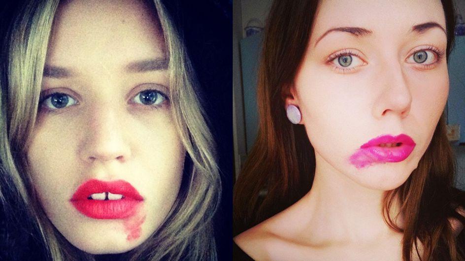 Du rouge à lèvres contre le cancer du col de l'utérus dans la nouvelle campagne #SmearForSmear
