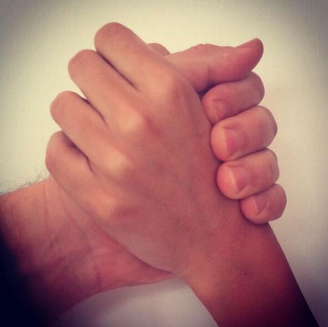 Le mani di Rocìo e Raoul