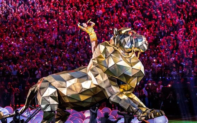 Katy Perry pour le show de la mi-temps du Super Bowl