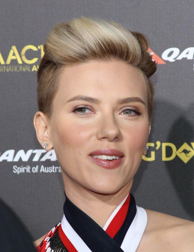 Scarlett Johansson cheveux courts