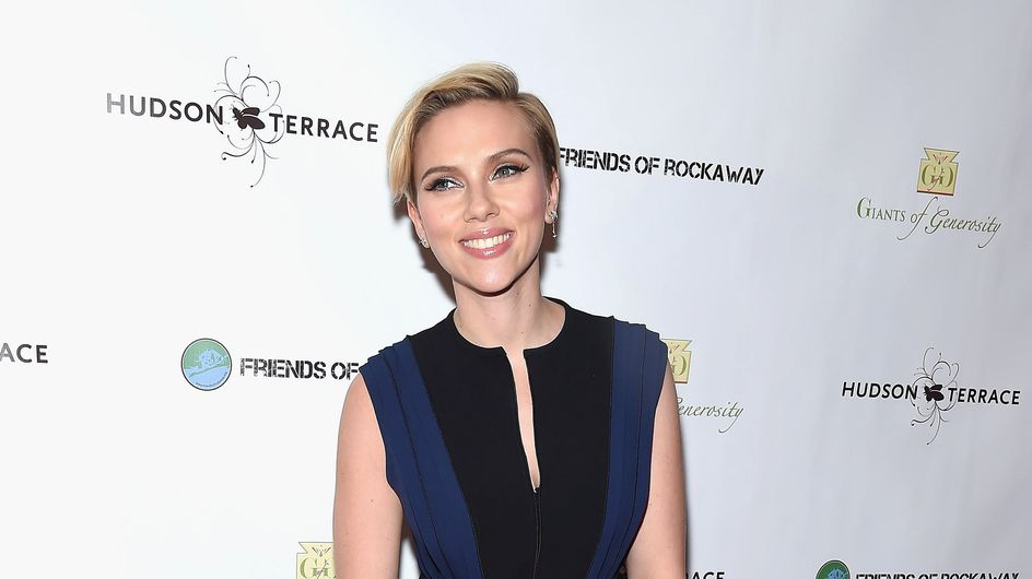 Scarlett Johansson s'est rasée la tête (Photo)