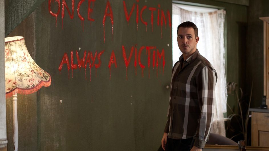 Hollyoaks 09/02 - Darren and Maxine are being targeted