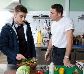 Hollyoaks 10/02 - Peri plots to get rid of Ziggy
