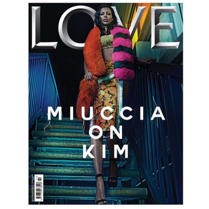 Kim Kardashian dans Love Magazine