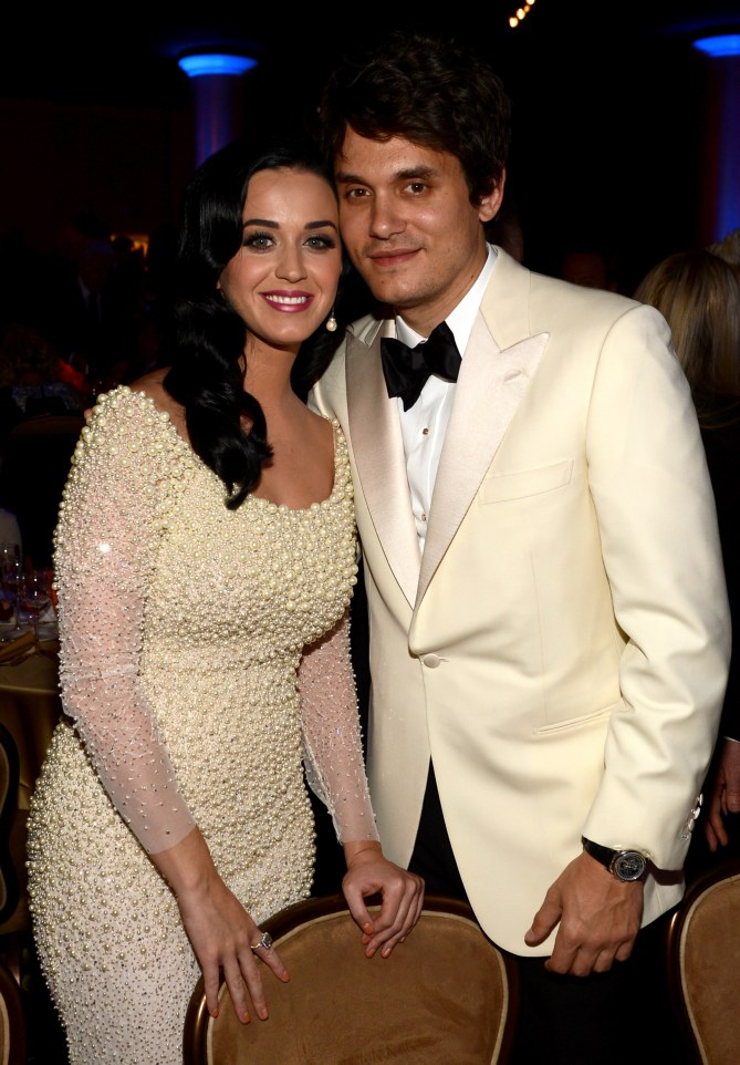 Katy Perry et John Mayer élégants.