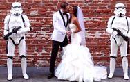 Hochzeit im Star Wars-Look: Einfach nur heiraten, war diesem Paar wohl zu langwe