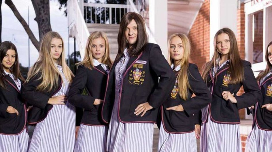 15 Signs You Were A Total Mean Girl At School