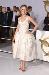 Jennifer Lawrence lookée.