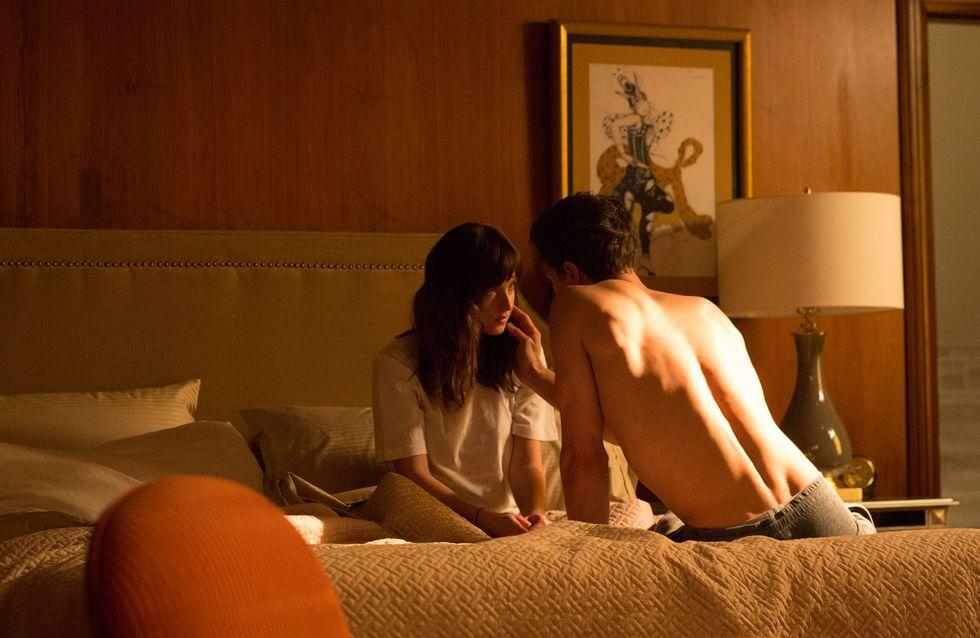 Fifty Shades of Grey : Quand Ana se retrouve dans le lit de Christian (Vidéo et photos)