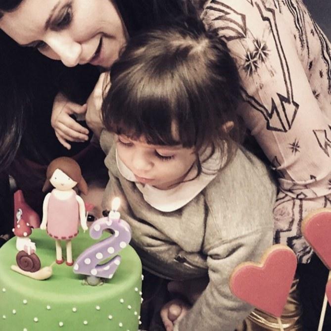 Laura insieme alla piccola Paola