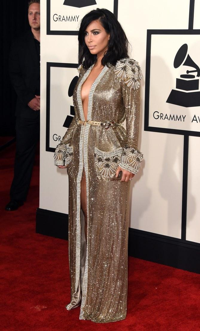Kim Kardashian aux Grammy Awards 2015