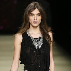 Elisa Sednaoui éblouit le podium seventies de la collection Mango été 2015