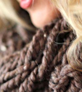 Arm Knitting: come realizzare morbide sciarpe e caldi cappelli senza bisogno di