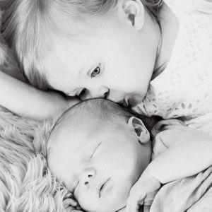 Hutton et Kenzie, les enfants de Beverley Mitchell
