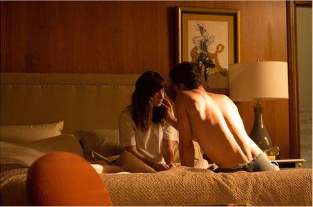 Dakota Johnson et Jamie Dornan en tournage.