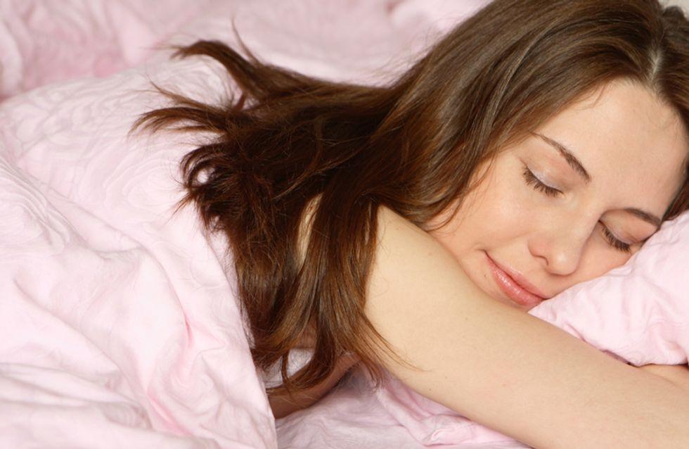 Seestern, Embryo oder Löffelchen: Was deine Schlafposition über dich verrät