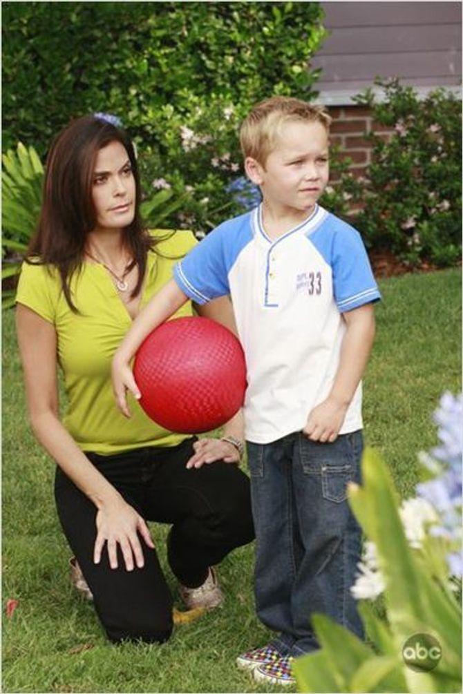Mason Vale Cotton dans Desperate Housewives en 2008