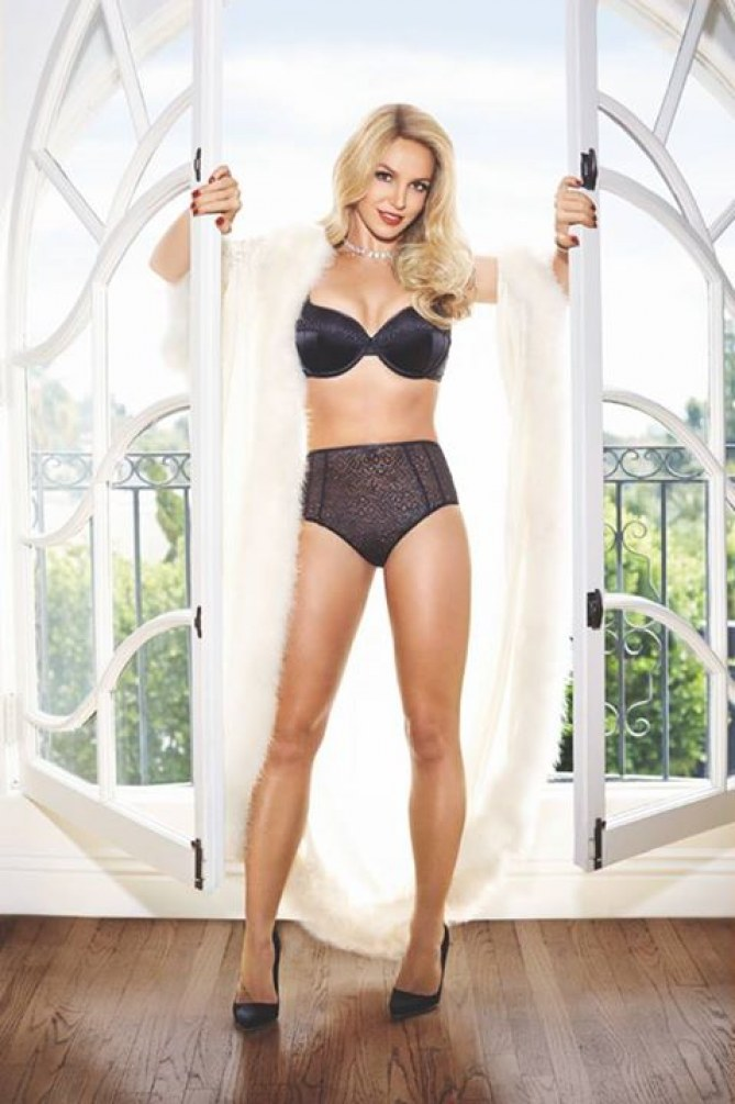 Britney Spears sexy pour la nouvelle collection d'Intimate Britney Spears