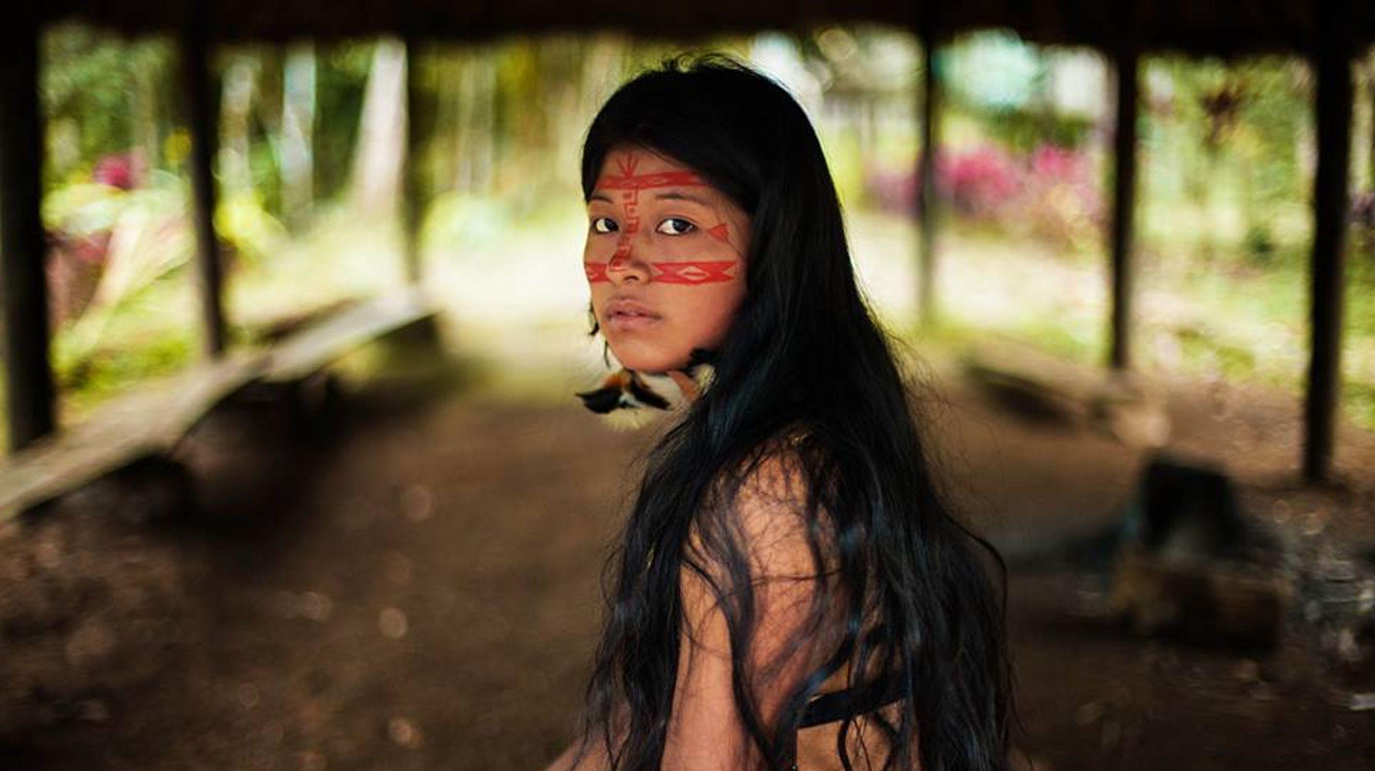 Un photographe présente la beauté naturelle des femmes en
