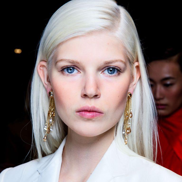 Coloration meches sur cheveux blancs
