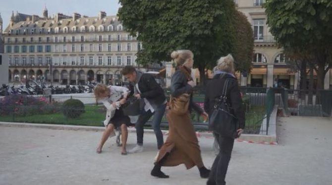 Une vidéo dénonce la passivité des passants face à une agression