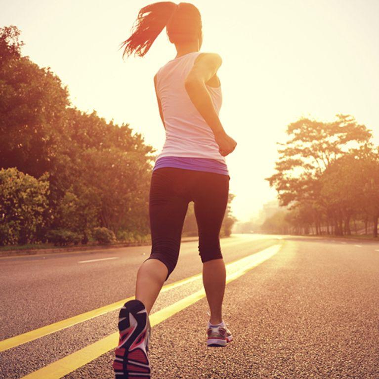 kopfh rer auf und los die beste musik zum joggen. Black Bedroom Furniture Sets. Home Design Ideas