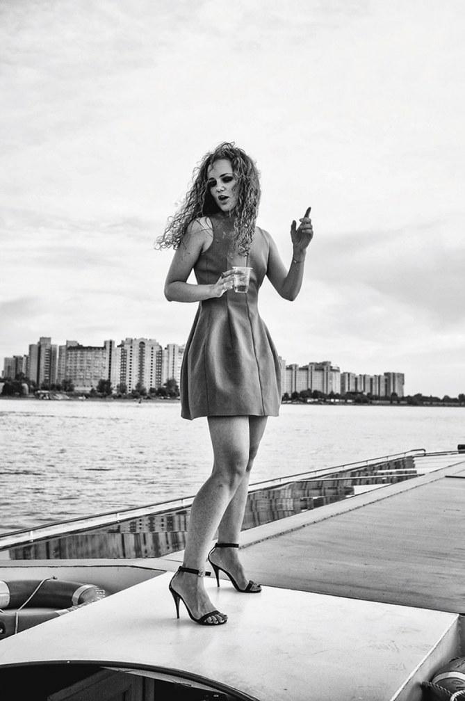 Ekaterina, 30 Jahre, liebt Ballett, Reisen & Visual Art.