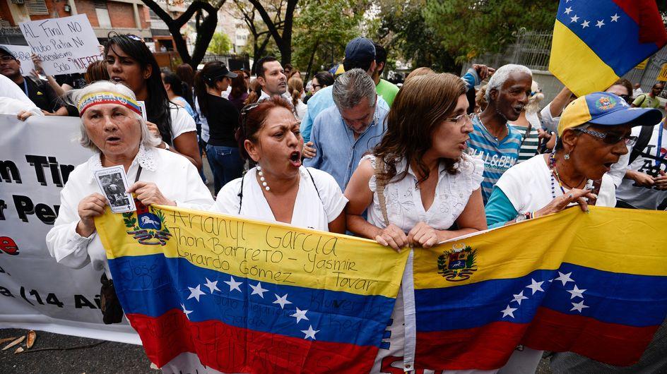 Au Venezuela, la mort d'un lycéen provoquée par un policier crée des tensions