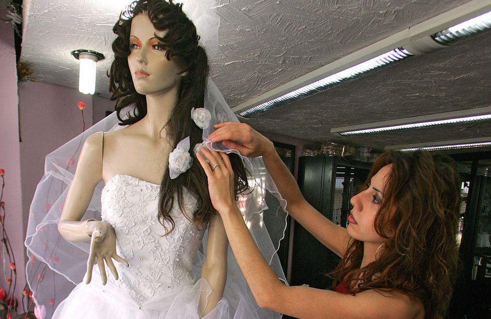 Une future mariée reçoit un don anonyme pour s'offrir la robe de ses rêves