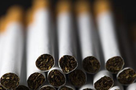 La cigarette, mauvaise pour la ligne des jeunes femmes