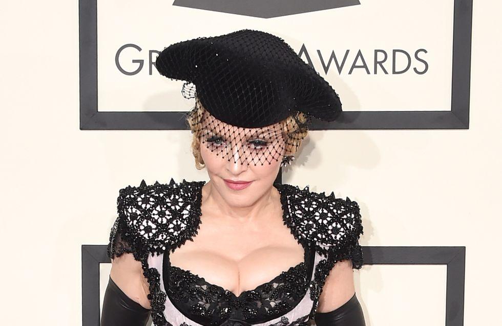 Madonna épinglée par Giorgio Armani après sa chute aux Brit Awards