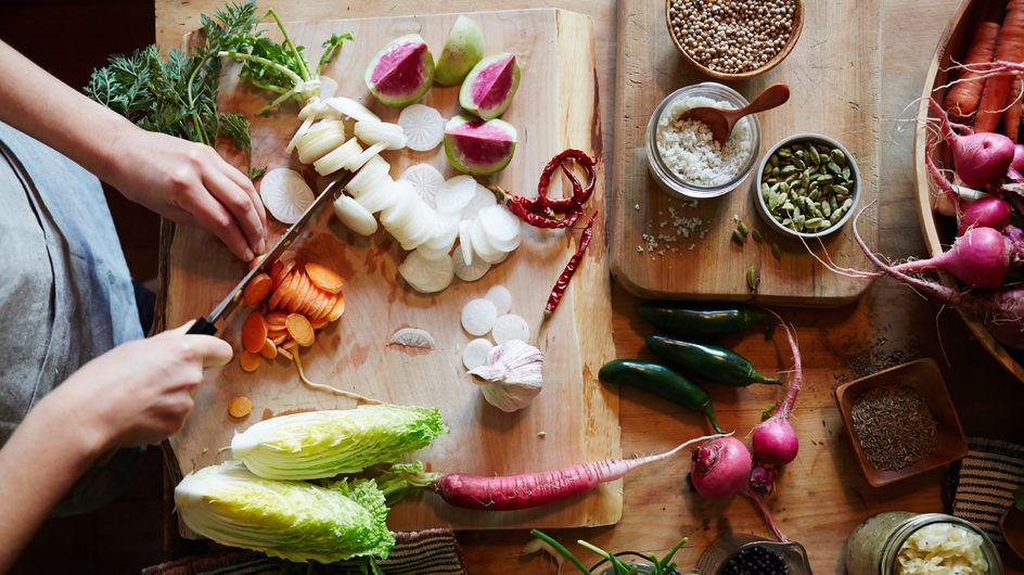 Vuoi combattere la cellulite? Scopri gli alimenti consigliati e quelli assolutamente da evitare!