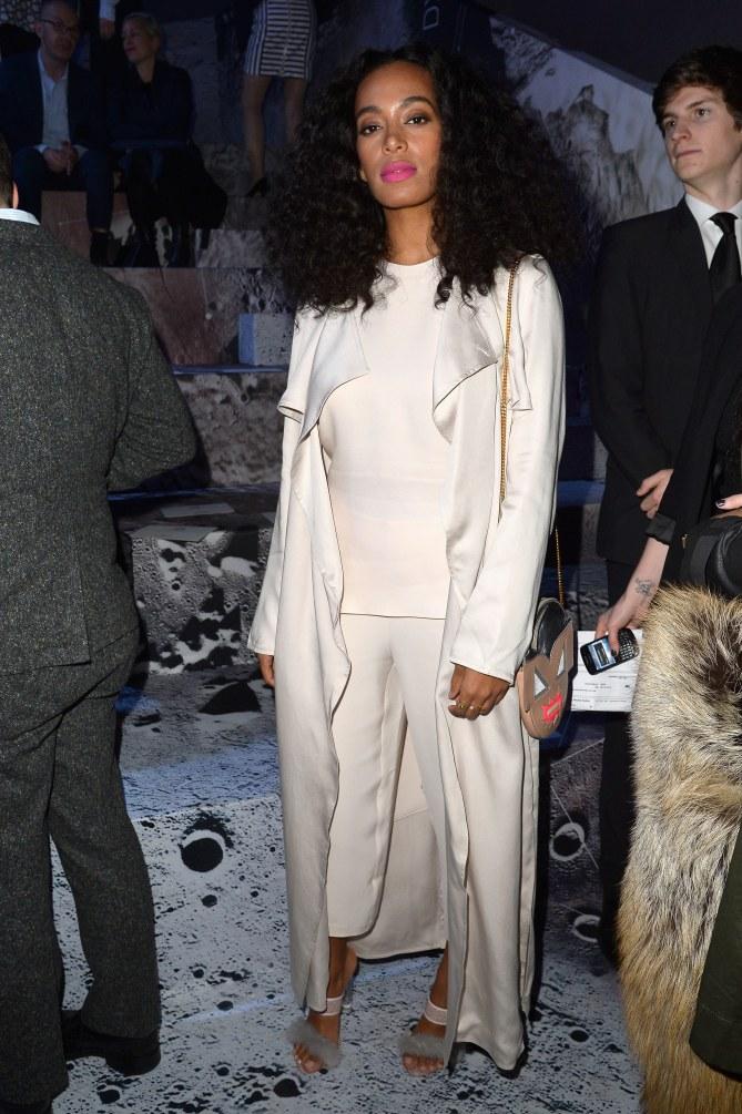 Solange Knowles lookée.