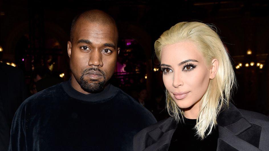 Kim Kardashian passe au blond platine pour la Fashion Week