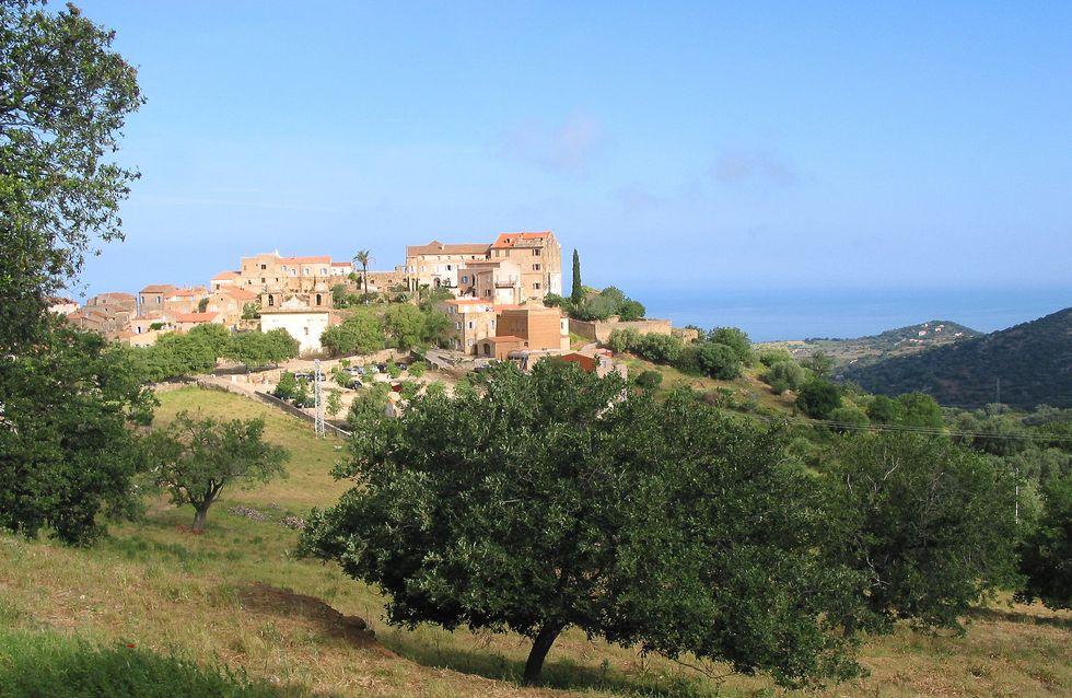 A Casarella : apéro corse et soleil couchant sur la mer