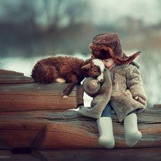 Essas fotos de crianças com animais selvagens vão animar a sua semana