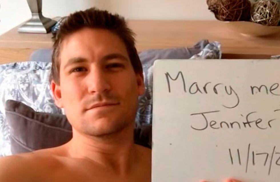 Americano pede a namorada em casamento por um ano... sem ela saber!