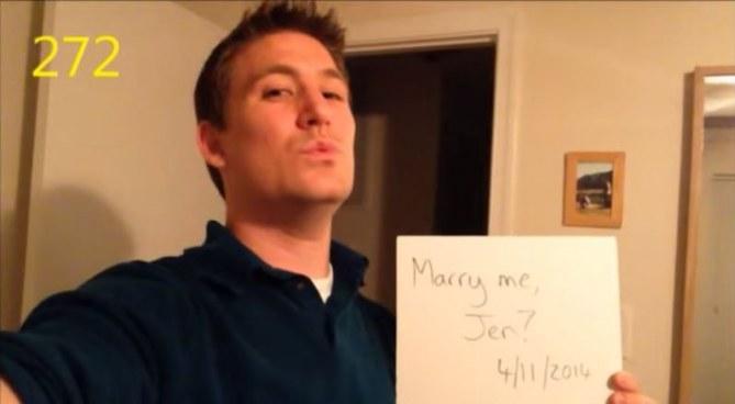 Ce jeune homme a proposé 365 fois à sa petite amie de l'épouser