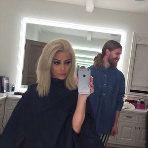 Kim Kardashian juste après sa coloration blonde