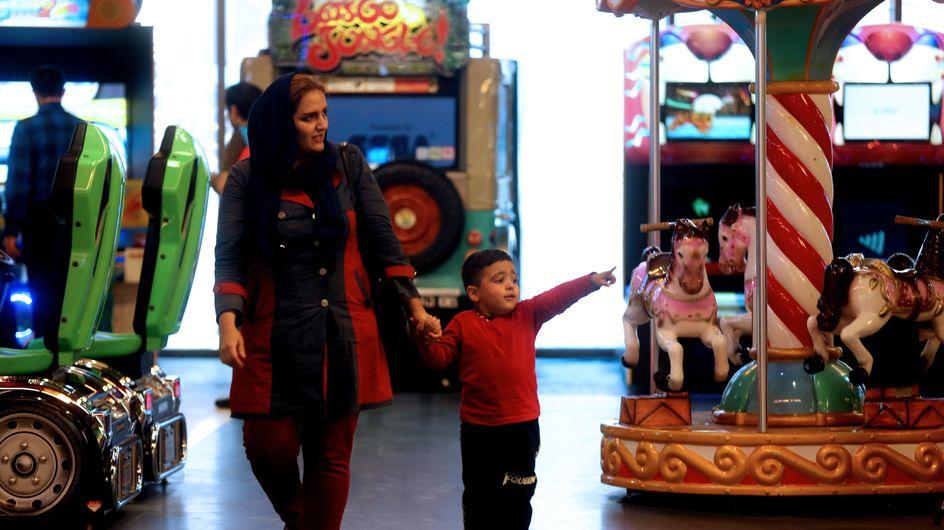 """Les femmes iraniennes réduites à des """"machines à faire des bébés"""" selon Amnesty International"""