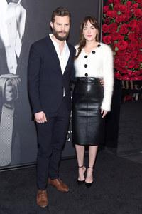 Jamie Dornan et Dakota Johnson à une première.
