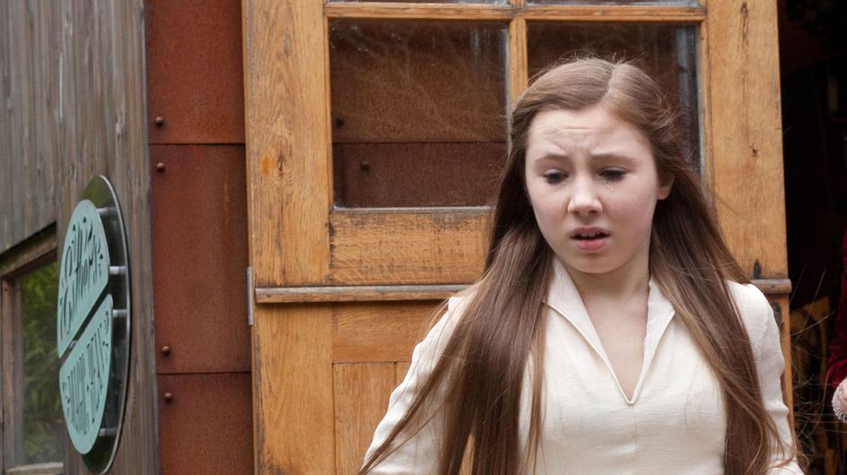 Hollyoaks 25/03 - Tegan is speechless when a notorious face turns up on her doorstep