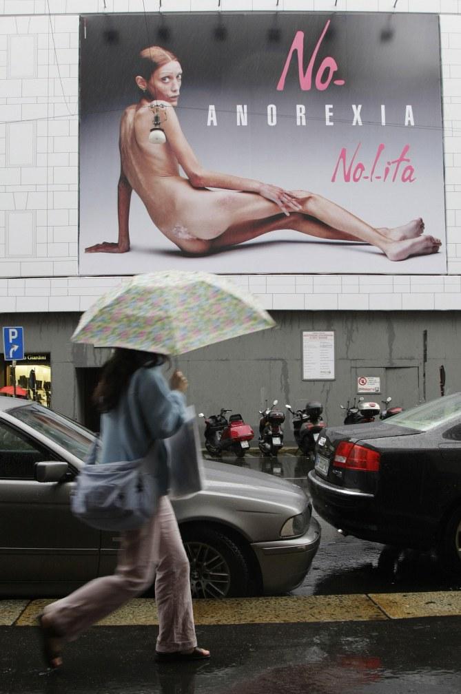 La campagne choc d'Isabelle Caro pour dénoncer l'anorexie (2007)