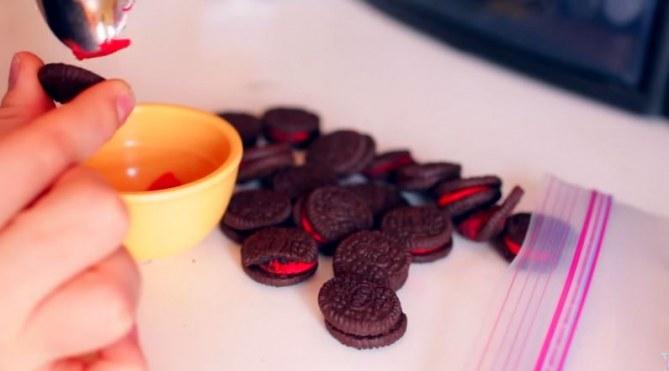 Qui veut la recette du mascara aux cookies Oreo ?