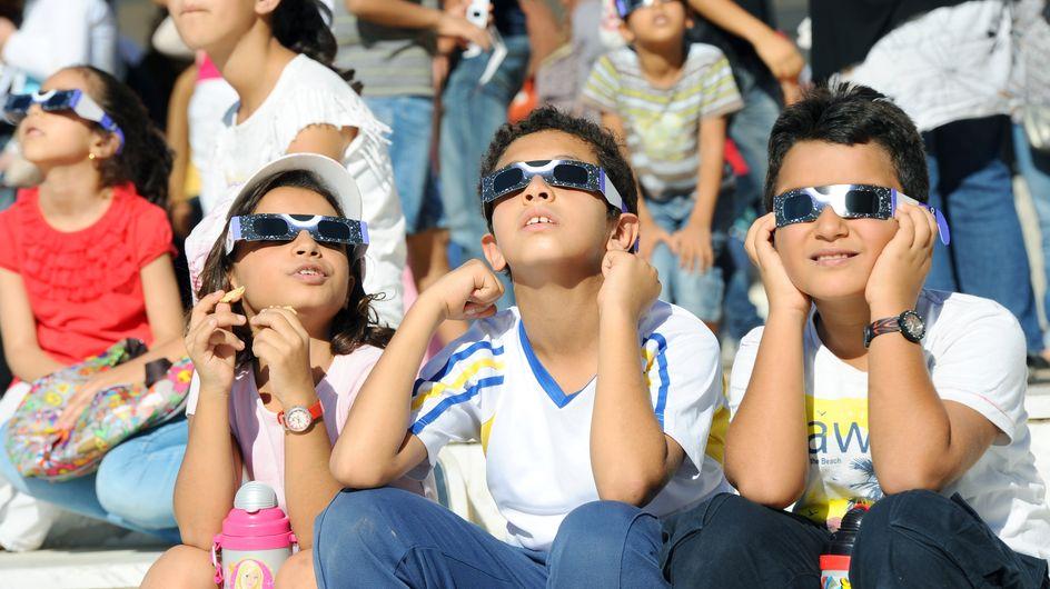 Des enfants privés de récré à cause de l'éclipse solaire