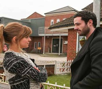 Coronation Street 03/04 - Faye delivers a bombshell to Anna