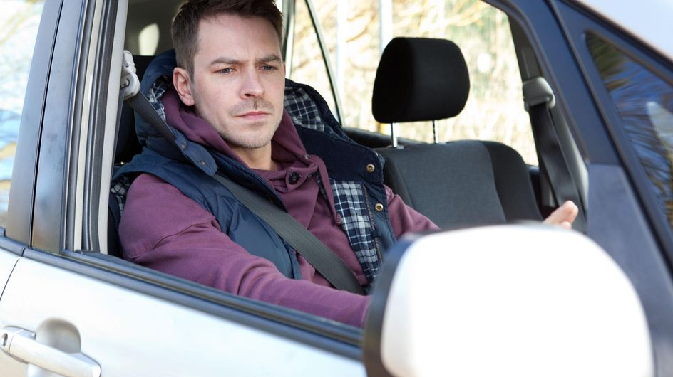Hollyoaks 31/03 - Someone threatens to expose the truth about Dr S'Avage