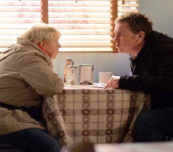 Eastenders 30/03 - Phil Mitchell is back in Albert Square